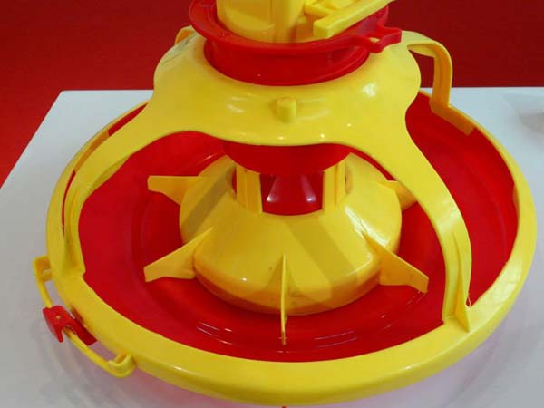 poultry feeder of poultry equipment supplies for sale in china